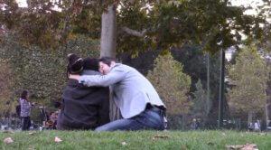 Comment embrasser une fille en 1 minute