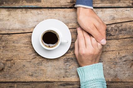 comment-toucher-une-femme-pour-la-séduire